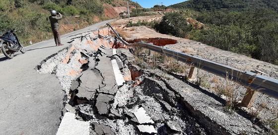 Tỉnh Kon Tum chỉ đạo khắc phục hư hỏng trên đường tránh đèo Măng Rơi ảnh 3