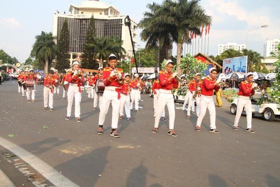 Hàng ngàn người tham dự Lễ hội đường phố ở Buôn Ma Thuột ảnh 11