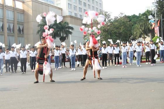 Hàng ngàn người tham dự Lễ hội đường phố ở Buôn Ma Thuột ảnh 2