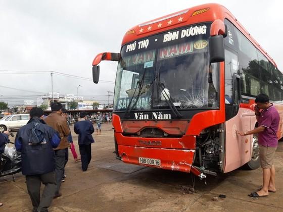 Vụ xe khách tông liên hoàn tại Gia Lai: Thêm nạn nhân tử vong ảnh 2