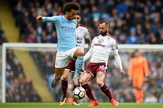 Man.City – Burnley 3-0: Cơn lốc màu xanh ảnh 2