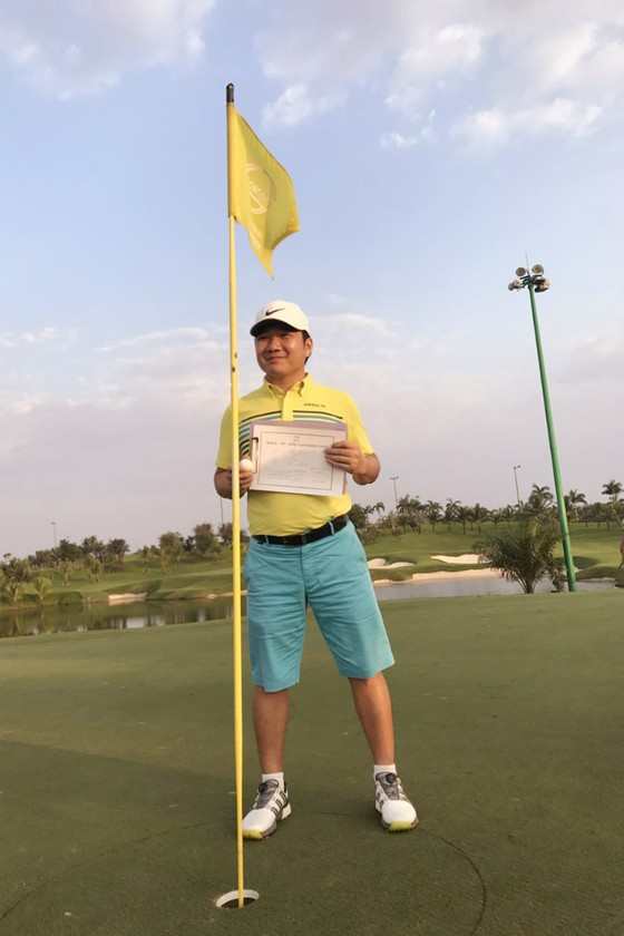 Golfer Trần Mạnh Hùng giành Hole-in-One đầu tiên tại Việt Nam năm 2018 ảnh 1