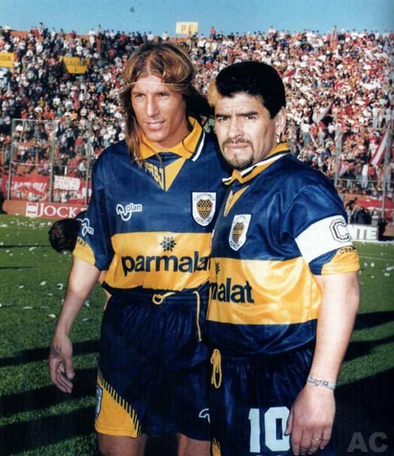 Hồ sơ Diego Maradona: Đường chuyền mở ra một huyền thoại ảnh 2