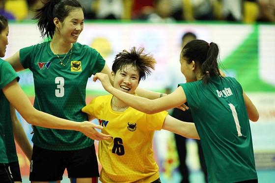 VTV Bình Điền Long An giành tấm vé đầu tiên vào bán kết. Ảnh: DŨNG PHƯƠNG