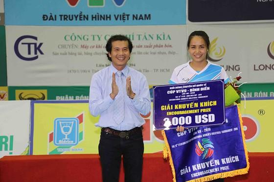 Chung kết Cúp bóng chuyền nữ VTV9 Bình Điền 2018: Ngược dòng ngoạn mục, Giang Tô lên ngôi! ảnh 8