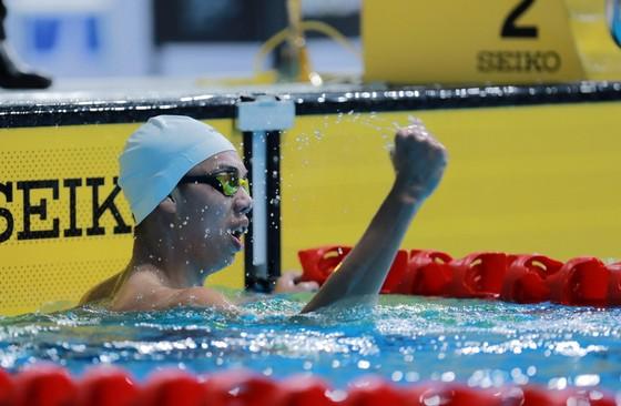 Bơi lội: Đoạt HCĐ 800m tự do, Nguyễn Huy Hoàng phá sâu kỷ lục quốc gia ảnh 1
