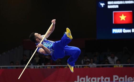 Wushu: võ sĩ Phạm Quốc Khánh đoạt HCB, Dương Thuý Vi đoạt HCĐ ảnh 1