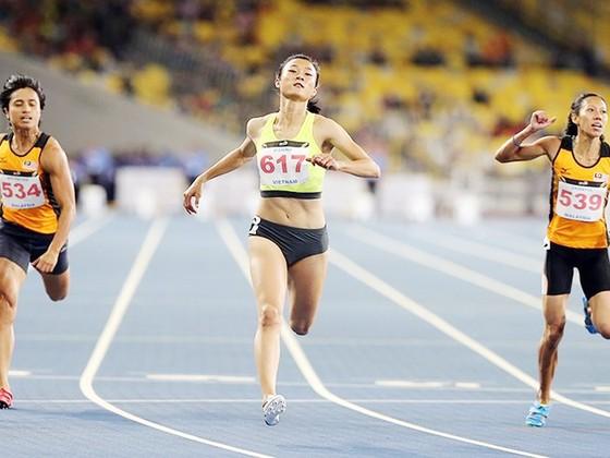 Tuyển thủ Lê Tú Chinh sẽ bước vào thi đấu vòng loại cự ly 100m nữ. Ảnh: NHẬT ANH