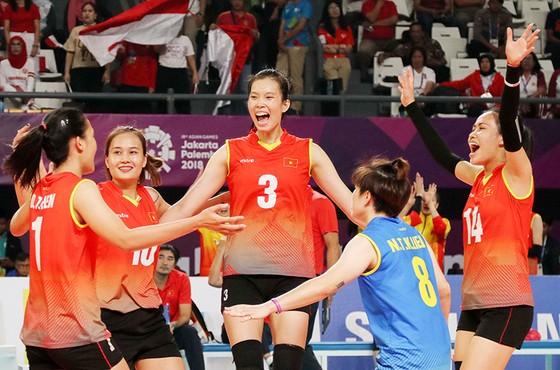 Bóng chuyền nữ: Việt Nam thắng thuyết phục Indonesia ngay tại Jakarta ảnh 4
