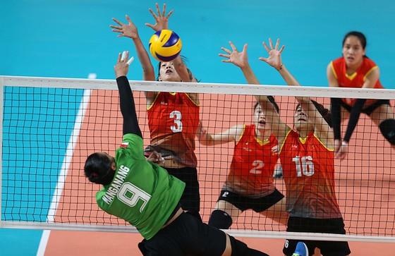 Bóng chuyền nữ: Việt Nam thắng thuyết phục Indonesia ngay tại Jakarta ảnh 2