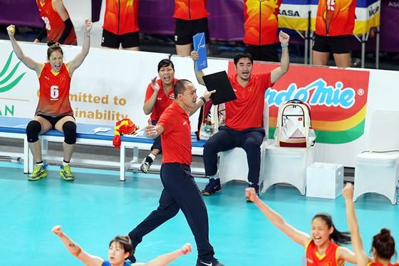 Bóng chuyền nữ: Việt Nam thắng thuyết phục Indonesia ngay tại Jakarta ảnh 6