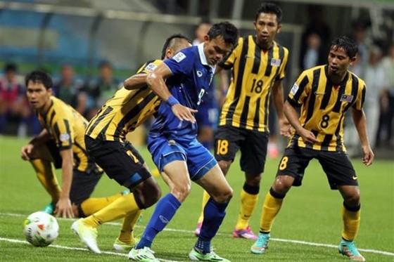 Thái Lan và Malaysia chia điểm ở trận bán kế lượt đi.