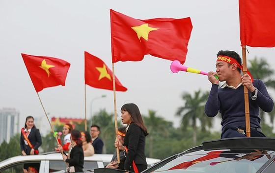 Mỹ Đình tràn ngập sắc đỏ-vàng trước trận chung kết AFF Cup ảnh 5
