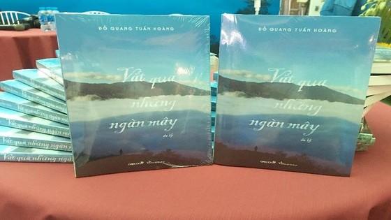 Ra mắt sách 'Vắt qua những ngàn mây' ảnh 2