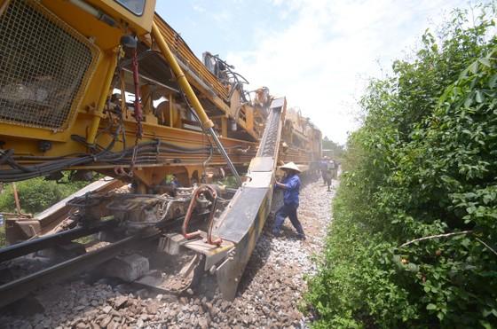 Hiu hắt đường sắt - Bài 5: Có cần đường sắt cao tốc 350km/giờ? ảnh 1