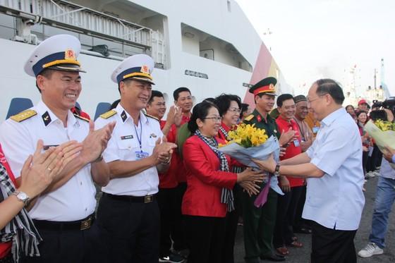 Đoàn đại biểu TPHCM thăm cán bộ, chiến sĩ và nhân dân trên các đảo vùng biển Tây Nam ảnh 2