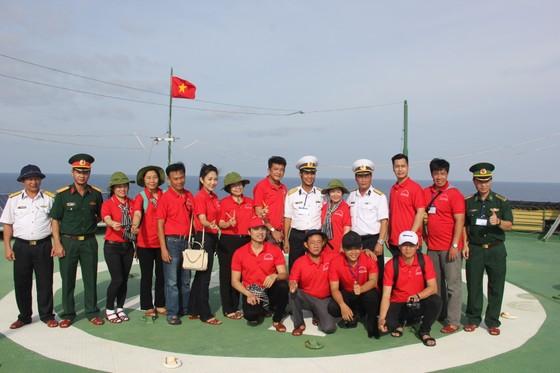 TPHCM hỗ trợ thiết thực các đơn vị trên vùng biển Tây Nam     ảnh 3