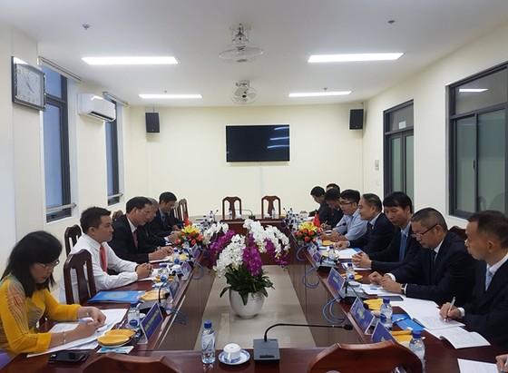 Đoàn đại biểu Chính hiệp Nhân dân Trung Quốc tỉnh Tứ Xuyên thăm TPHCM ảnh 1