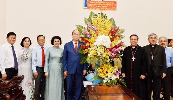 Lãnh đạo TPHCM chúc mừng Giáng sinh Tòa Tổng Giám mục Tổng Giáo phận TPHCM     ảnh 1