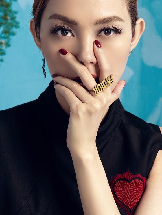 Sau Võ Hoàng Yến, Minh Hằng chính thức trở thành HLV The Face 2018 ảnh 2