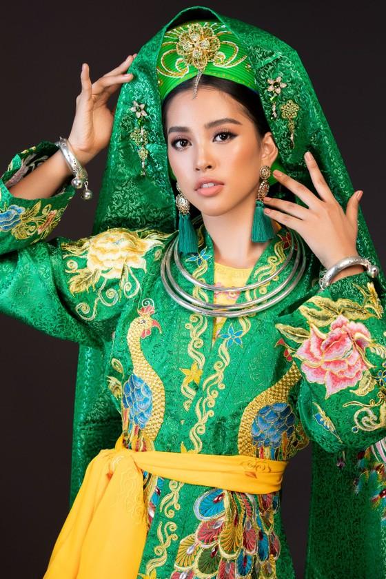Hoa hậu Tiểu Vy mang điệu múa chầu văn đến Miss World ảnh 2