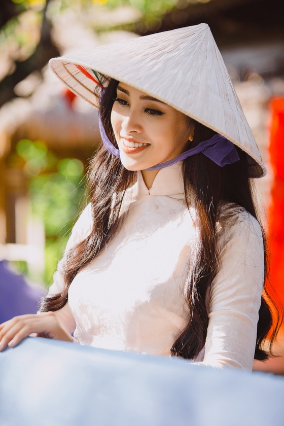 Hoa hậu Tiểu Vy mang hình ảnh Hội An đến Miss World ảnh 1