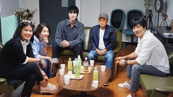 Ê-kíp Han Jae Suk lên tiếng tố nhà sản xuất phim Thiên đường ảnh 2