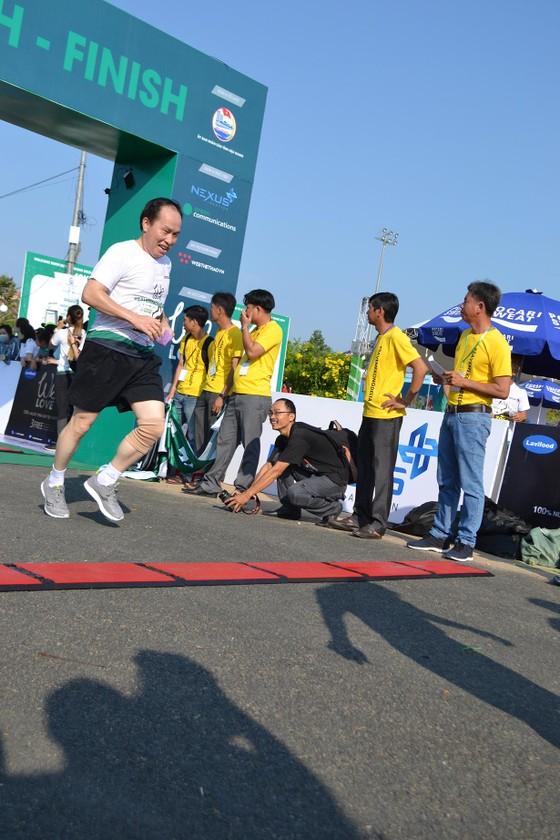 Sôi động Giải chạy bộ Mekong Delta Marathon ảnh 5