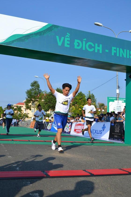 Sôi động Giải chạy bộ Mekong Delta Marathon ảnh 4
