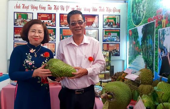 Nhộn nhịp ngày hội Tam nông và sản phẩm làng nghề năm 2019 ở Hậu Giang ảnh 1