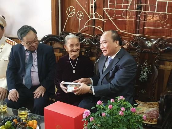 Thủ tướng Nguyễn Xuân Phúc thăm, chúc tết Công an tỉnh Đắk Nông ảnh 1