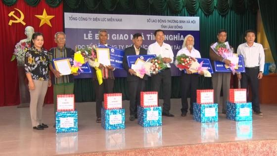 Tổng Công ty Điện lực Miền Nam trao nhà tình nghĩa tại Lâm Đồng ảnh 1