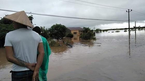 Mưa lớn, nhiều địa phương ở Đắk Lắk bị cô lập, phải di dời dân ảnh 4