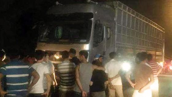 Xe chở dăm tông vào đám đông khiến 6 người thương vong ảnh 1
