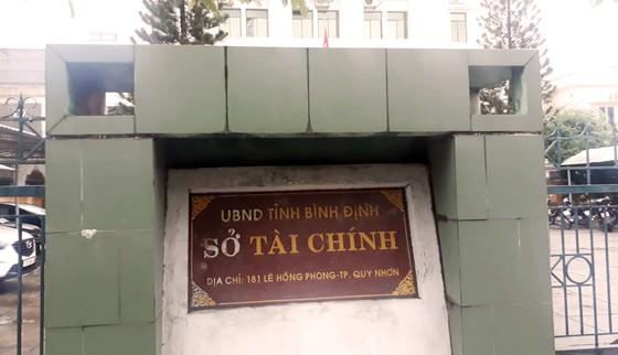 Phó trưởng Phòng Sở Tài chính Bình Định bất ngờ treo cổ tự tử trong nhà vệ sinh. ảnh 1