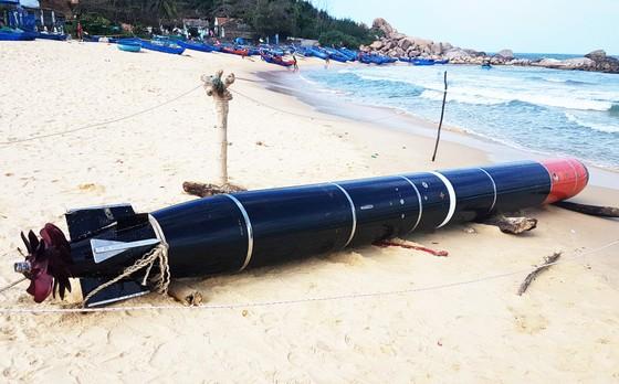Vật thể lạ mắc lưới ngư dân Phú Yên ảnh 3