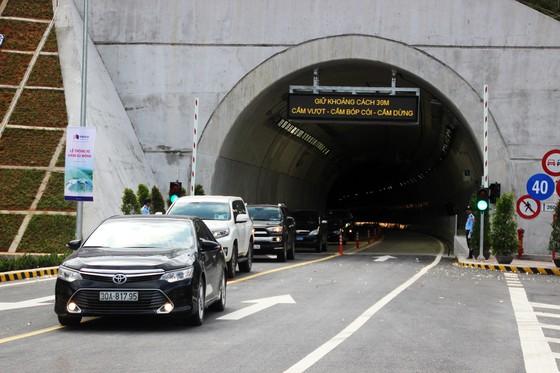 Hầm đường bộ dài thứ 3 cả nước chính thức thông xe ảnh 5