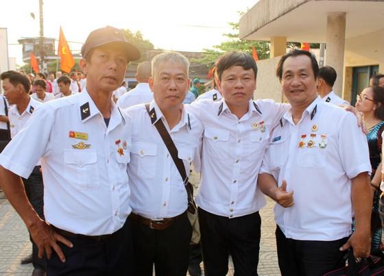 500 lính đảo Trường Sa về Phú Yên để tưởng niệm 64 liệt sỹ Gạc Ma ảnh 5