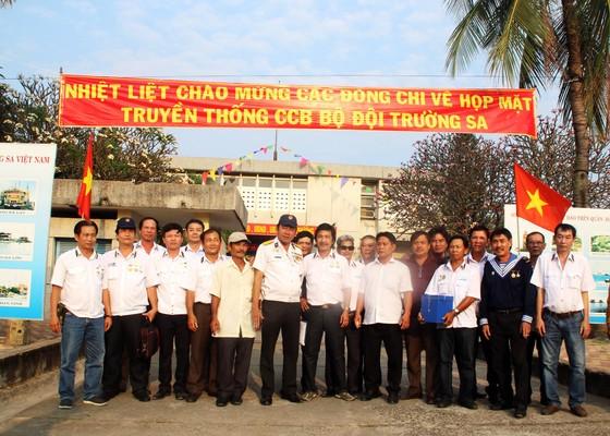 500 lính đảo Trường Sa về Phú Yên để tưởng niệm 64 liệt sỹ Gạc Ma ảnh 1