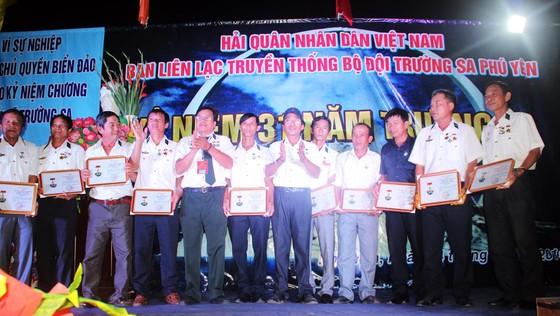500 lính đảo Trường Sa về Phú Yên để tưởng niệm 64 liệt sỹ Gạc Ma ảnh 8