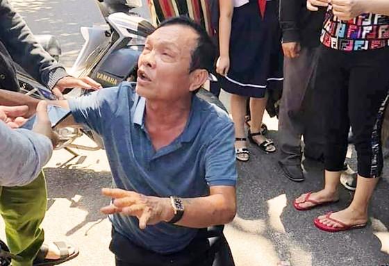 Bắt giam tài xế xe Lexus biển 6666 tông vào đám tang ở Bình Định ảnh 1