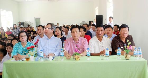 2,3 tỷ đồng ủng hộ Trung tâm Nuôi dạy trẻ khuyết tật Võ Hồng Sơn ảnh 1