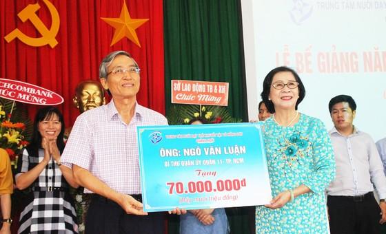 2,3 tỷ đồng ủng hộ Trung tâm Nuôi dạy trẻ khuyết tật Võ Hồng Sơn ảnh 11
