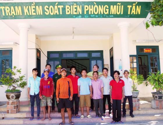 Tàu cá của 11 ngư dân Bình Định chập điện, cháy ở biển Trường Sa ảnh 2