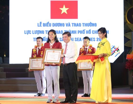 2,24 tỷ đồng thưởng VĐV xuất sắc tại SEA Games 29 ảnh 2