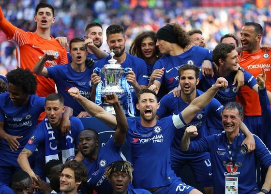 Hazard hạ Quỷ đỏ, The Blue lần 8 đăng quang FA ảnh 3