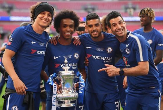 Hazard hạ Quỷ đỏ, The Blue lần 8 đăng quang FA ảnh 4