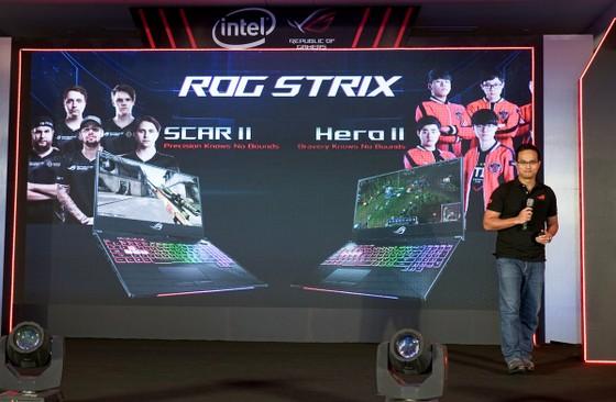 Laptop gaming viền mỏng Strix SCAR II và Hero II lộ diện