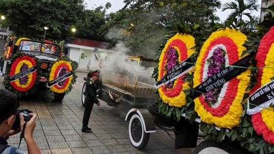 Xúc động tiễn đưa Chủ tịch nước Trần Đại Quang về nơi an nghỉ cuối cùng ảnh 55