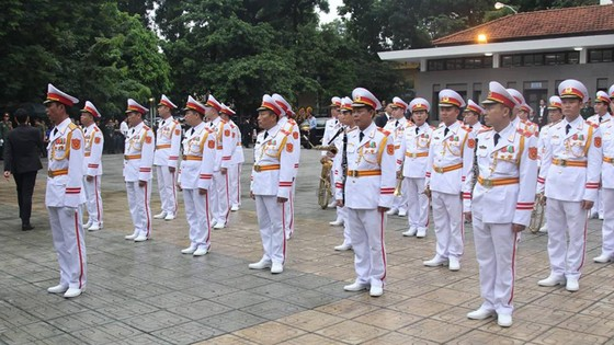 Xúc động tiễn đưa Chủ tịch nước Trần Đại Quang về nơi an nghỉ cuối cùng ảnh 51
